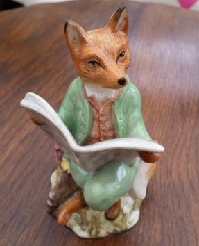 Royal Albert Foxy Reading Country News