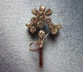 Sweet Sparkly Flower Brooch