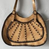 Seventies tan shoulder bag with stitching detail